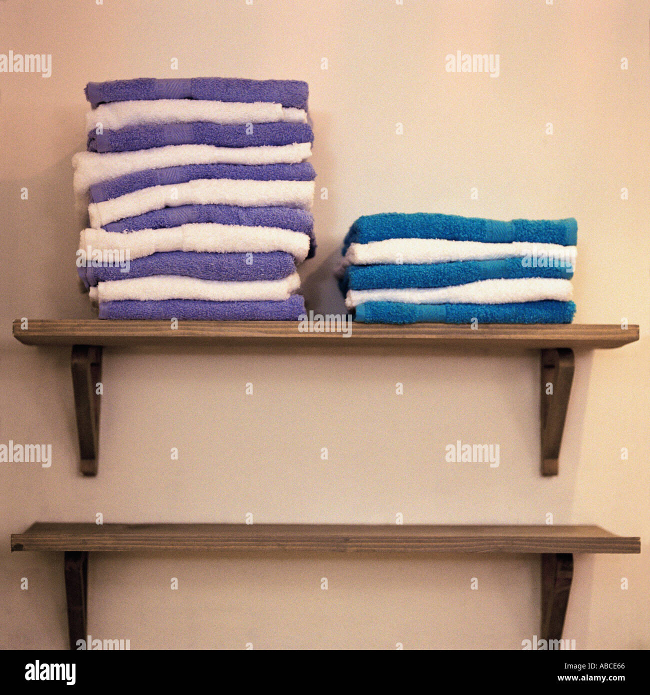 Towels stacked on shelves Stock Photo: 773734 - Alamy