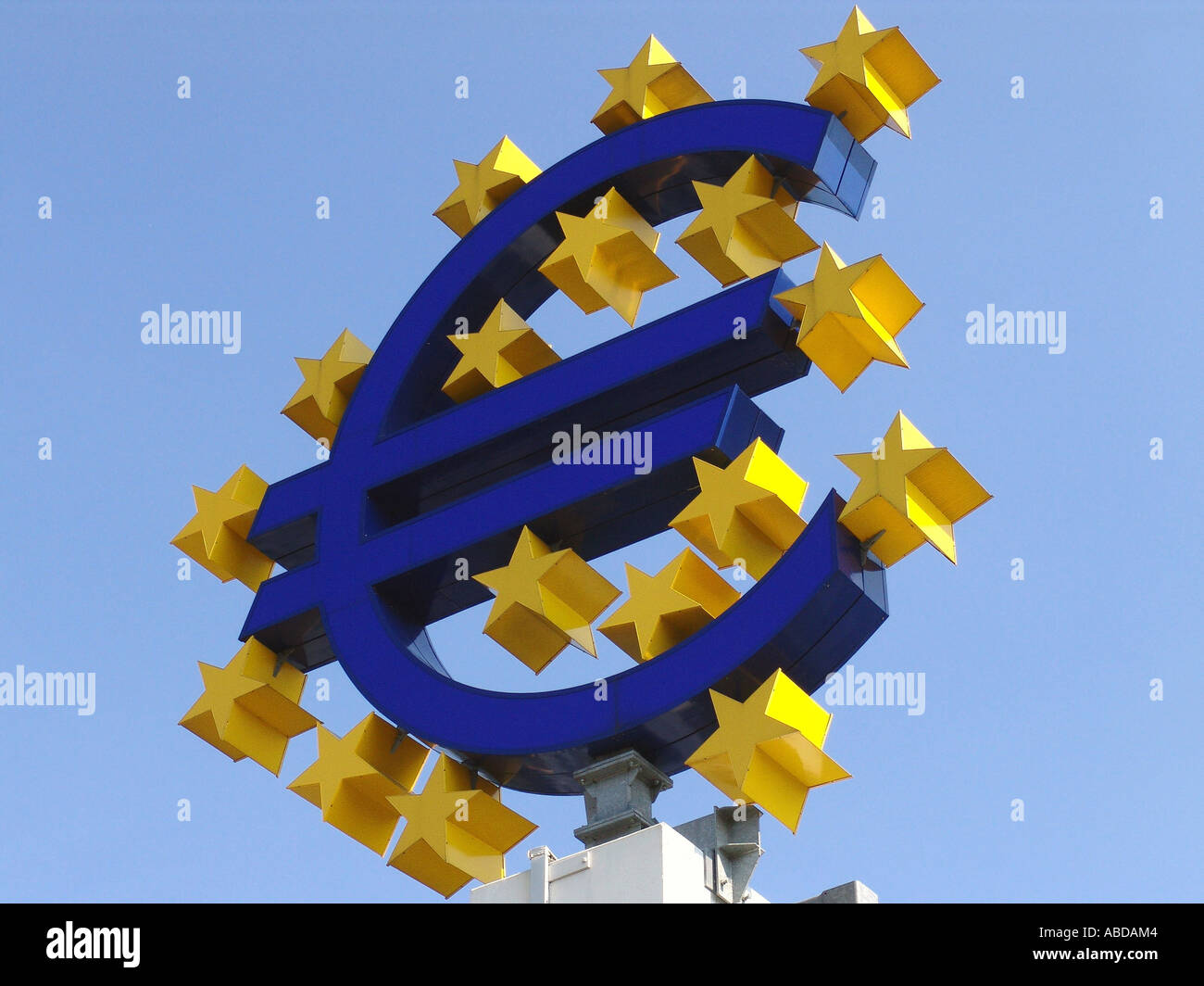 Symbol Euro in front of the European Central Bank - Stock Image