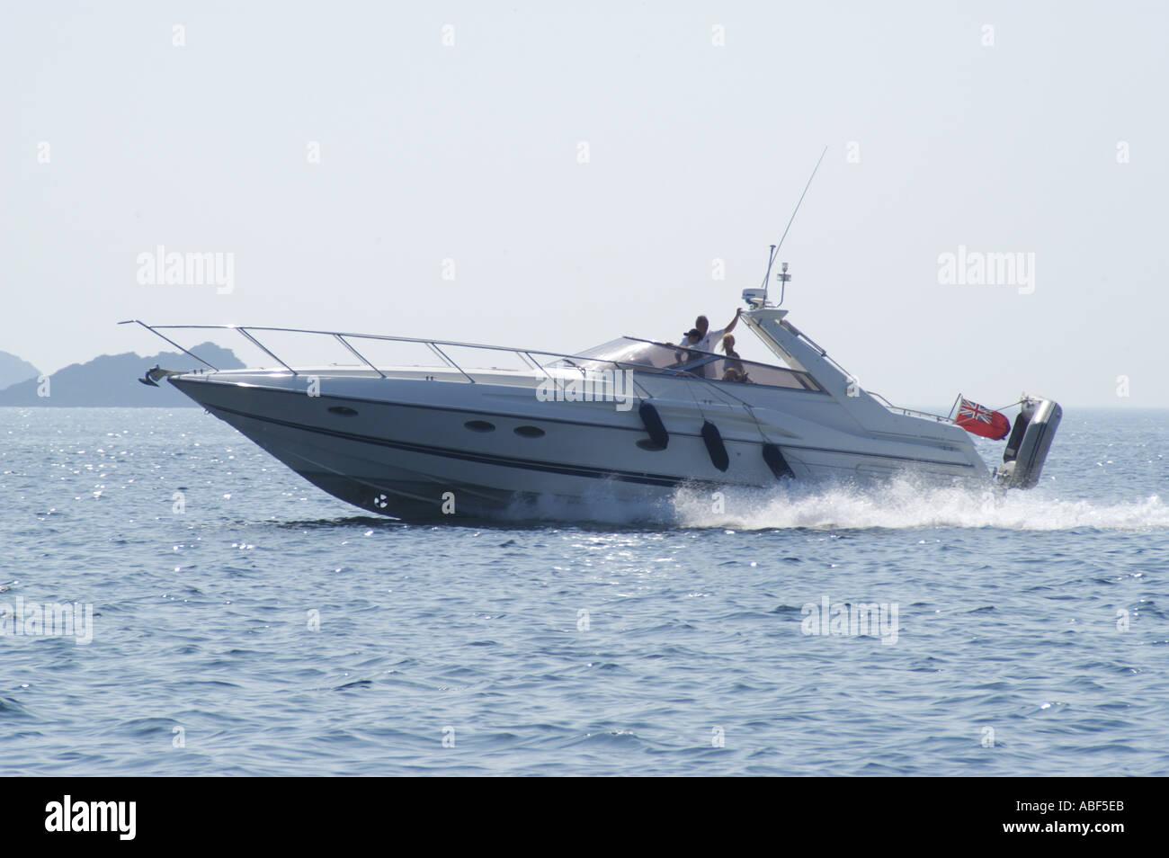 3177 Power boat at sea - Stock Image