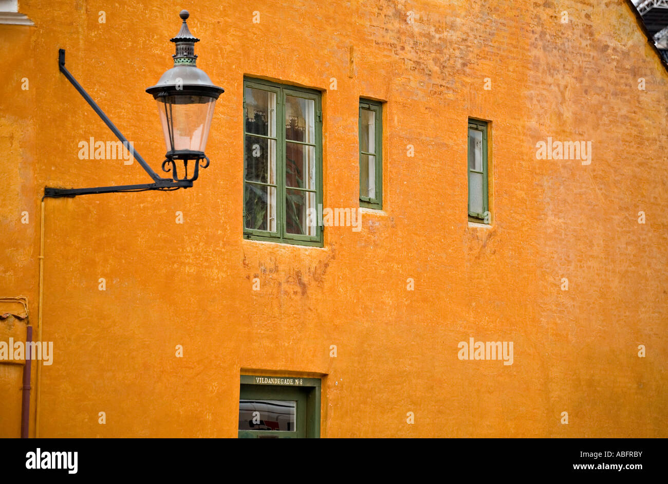 Streetlight on Ochre Number 8 - Stock Image