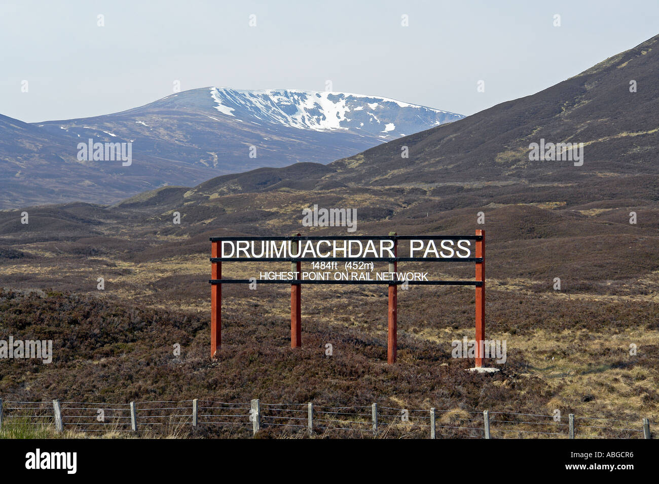 Druimuachdar Pass (or Pass of Drumochter as it is better known) sign indicating the highest point on the British Stock Photo