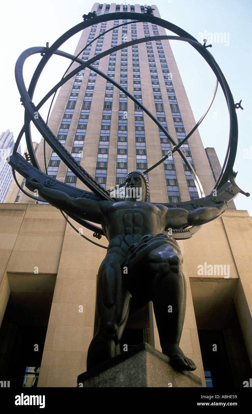 ATLAS STATUE ON 5TH AVENUE NEW YORK - Stock Image