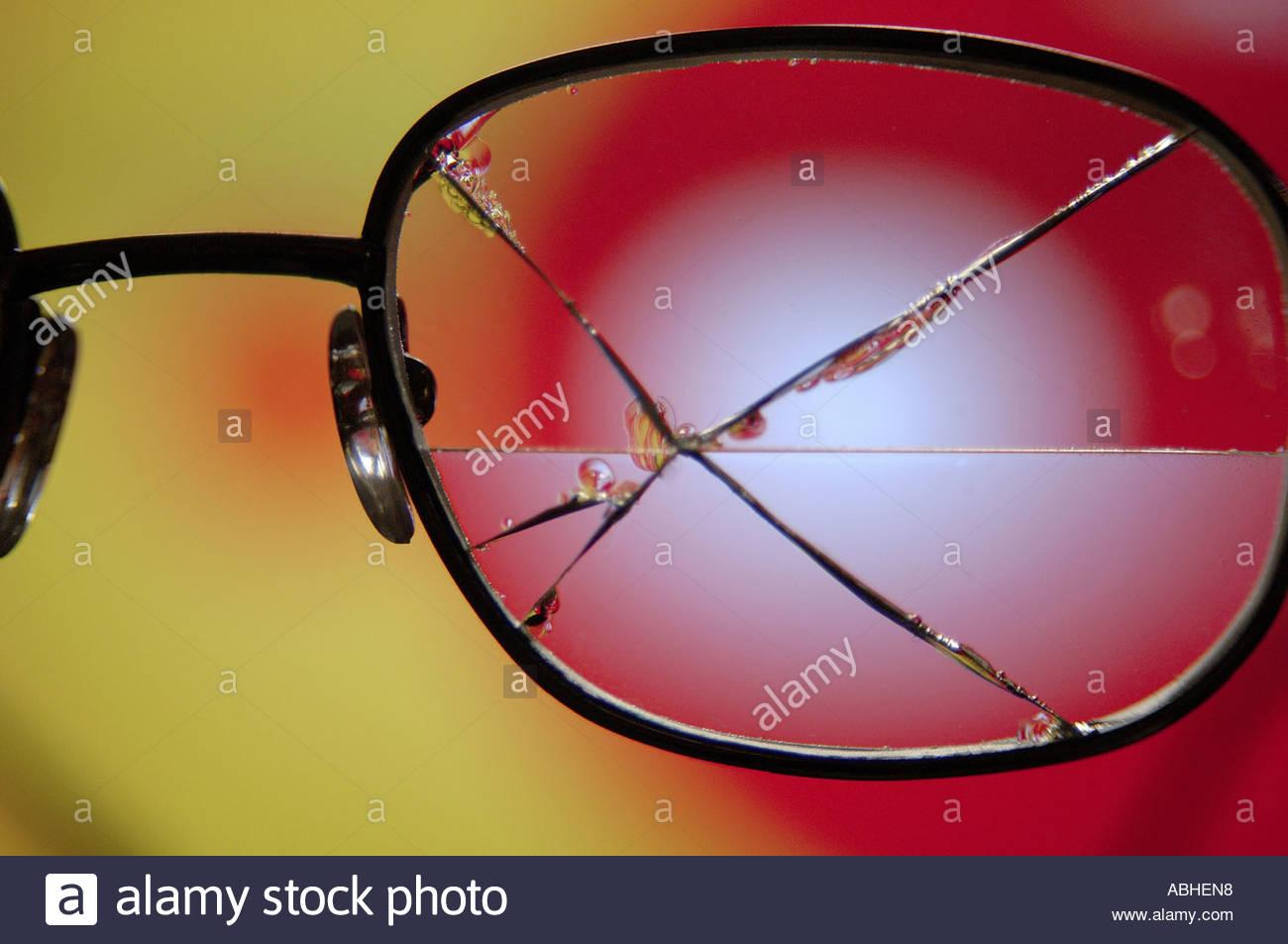 Broken glasses - Stock Image