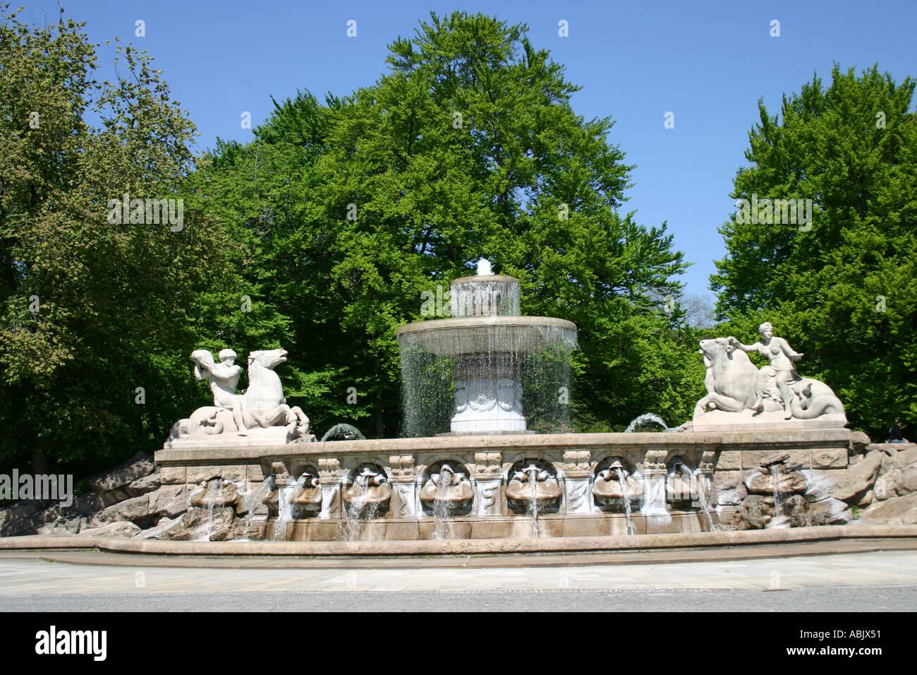 Wittelsbach fountain Lenbachplatz Munich Bavaria Germany - Stock Image