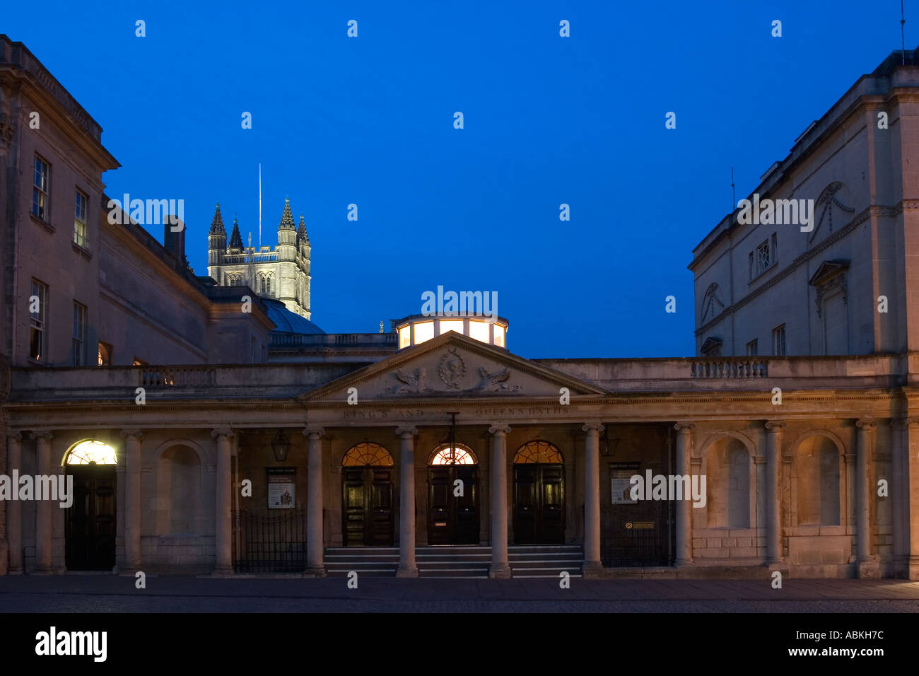 Roman Baths and Pump Room Stall Street Entrance at Night with Abbey ...