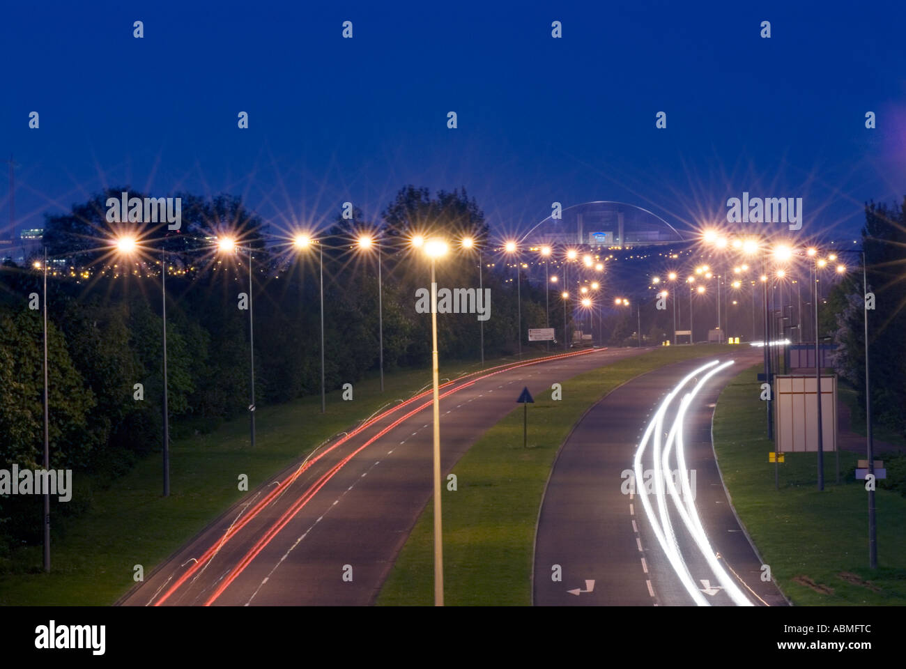 Central Milton Keynes road snow dome UK - Stock Image