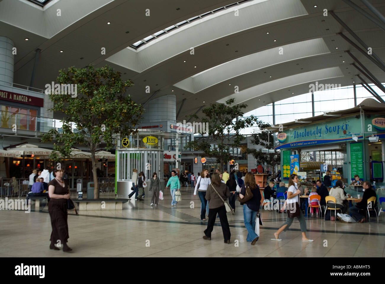 PICTURE CREDIT DOUG BLANE Milton KeynesMilton Keynes MK the centre center central - Stock Image