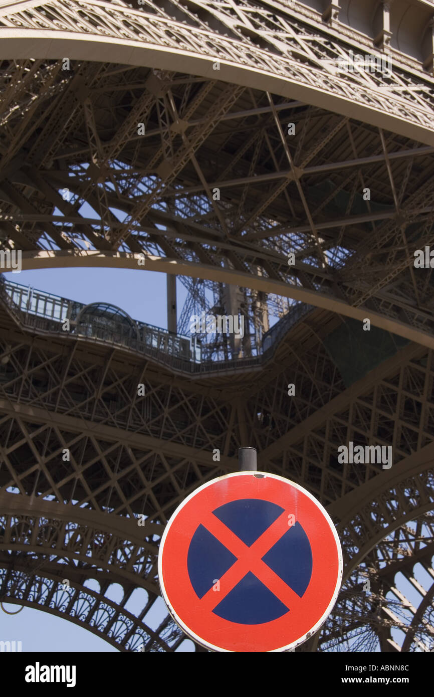 Tow away sign and the Tour Eiffel Paris France - Stock Image
