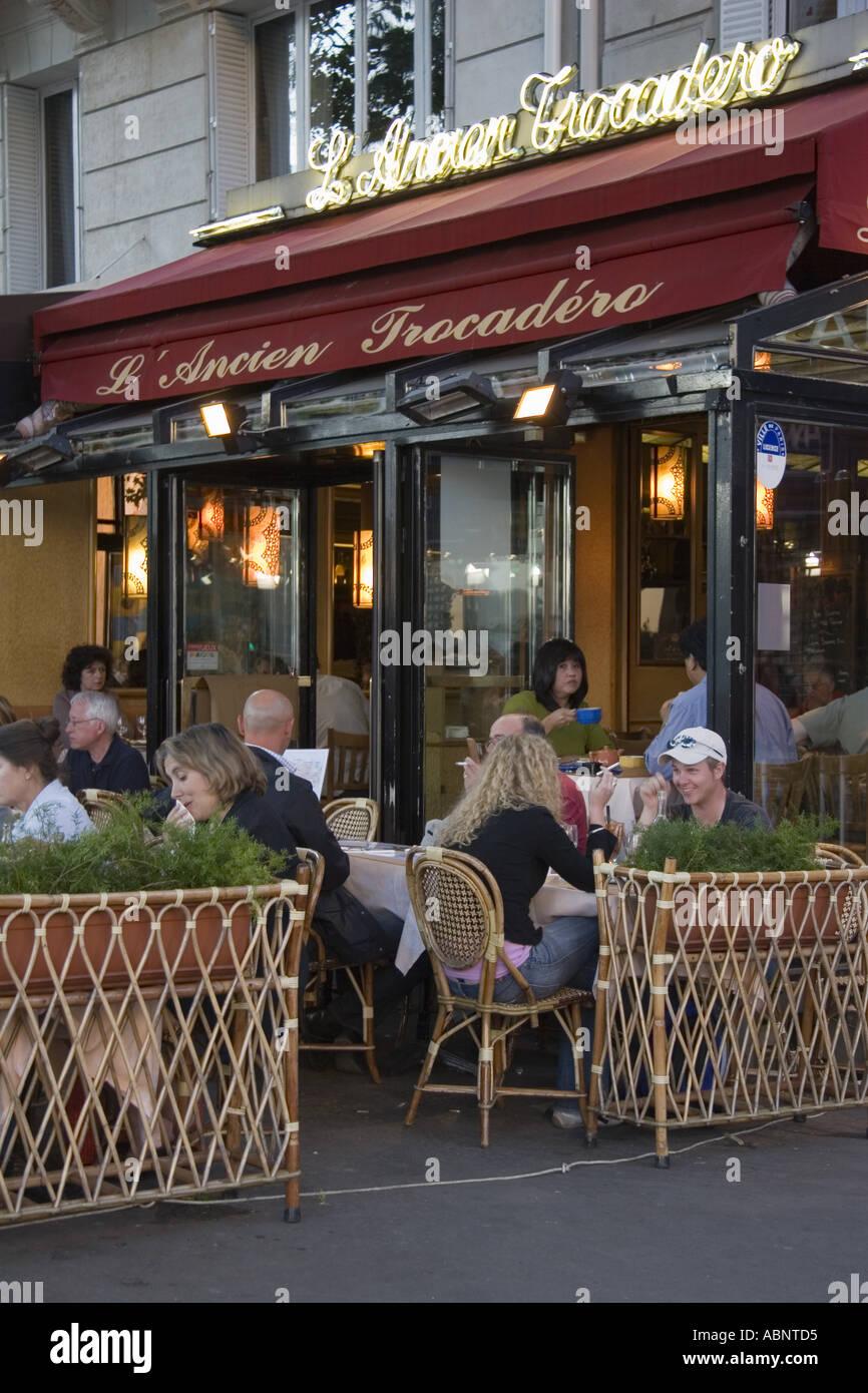 Place Du Trocadero Paris Cafe