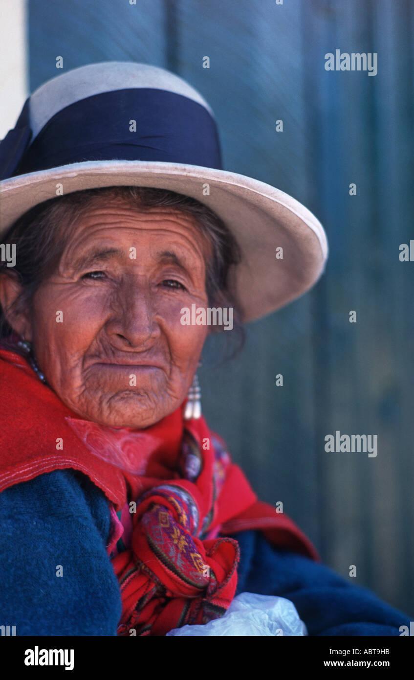 Elderly Peruvian woman in distinctive hat and Andean dress Huaraz northern Peru South America - Stock Image