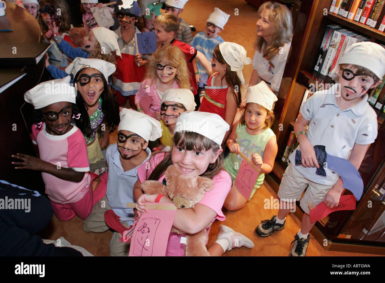 New York Atlantic Ocean Holland America Line ms Noordam Explorations Cafe children pirates - Stock Image