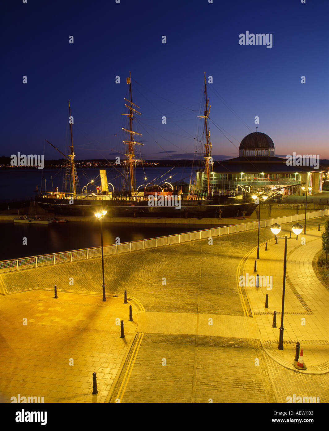 Discovery Point, Discovery Quay, Dundee City, Scotland, UK. The Royal Research Ship the RRS Discovery - Stock Image