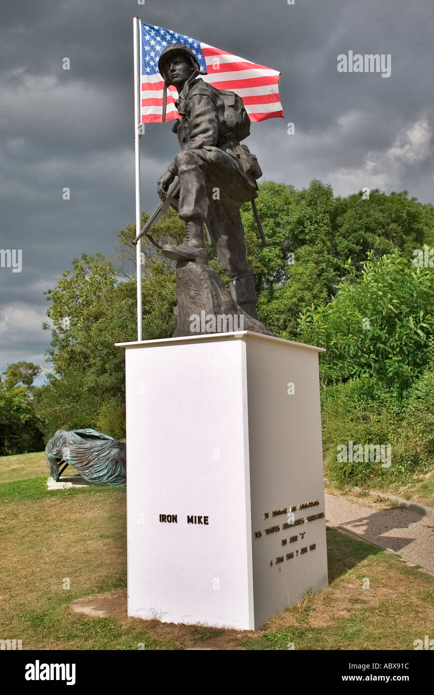 WW2 Iron Mike Memorial to the US Airborne forces who liberated St Mere Eglise, Normandy, France at La Fiere - Stock Image
