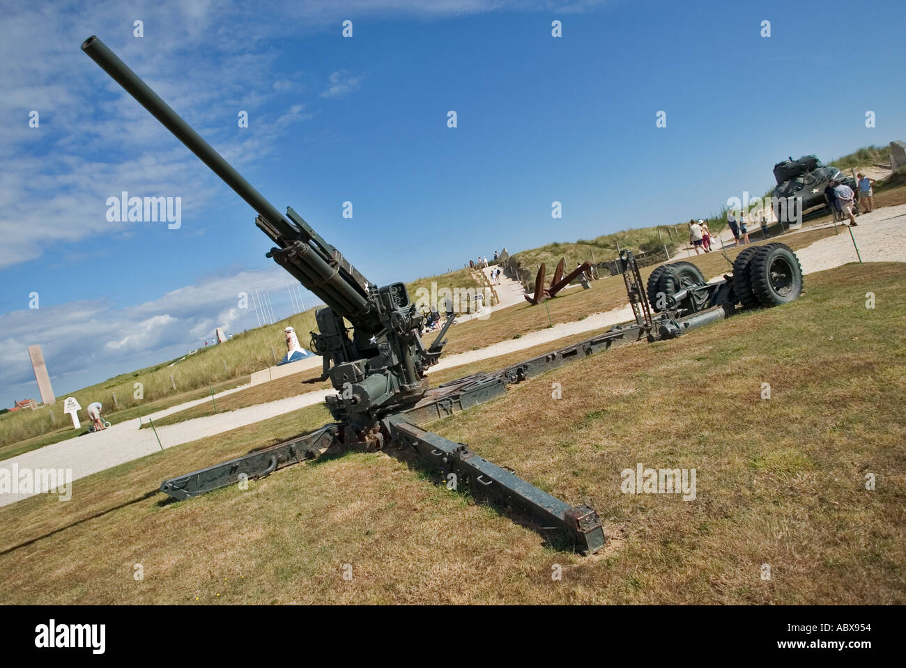 Field gun outside the D-Day museum at Utah Beach, Normandy, France - Stock Image