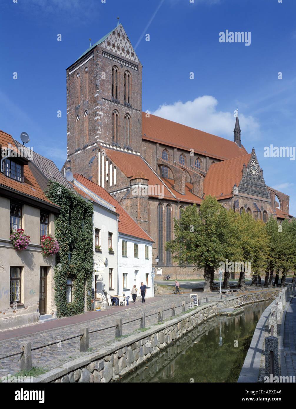 Wismar, St. Nikolai, Süd-West-Ansicht und Frische Grube - Stock Image