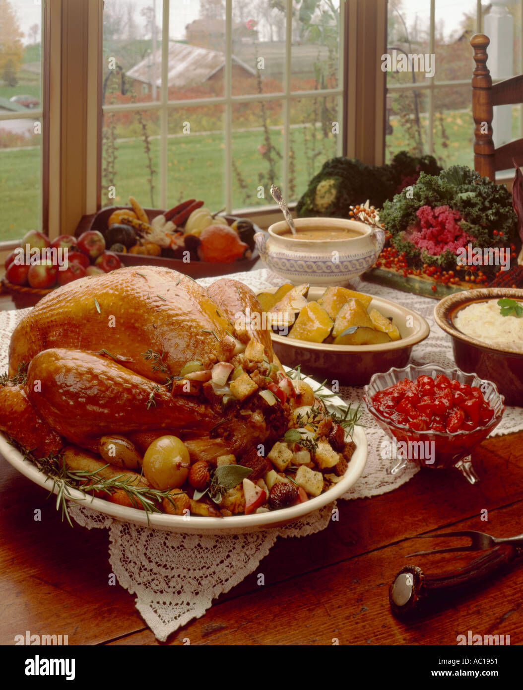 Thanksgiving Table Setting Turkey Dinner & Thanksgiving Table Setting Turkey Dinner Stock Photo: 792913 - Alamy