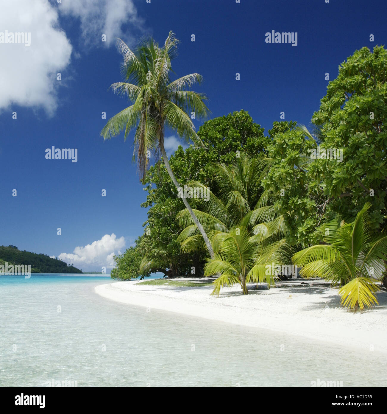 Tropical paradise of Bora Bora in French Polynesia in the South Pacific - Stock Image