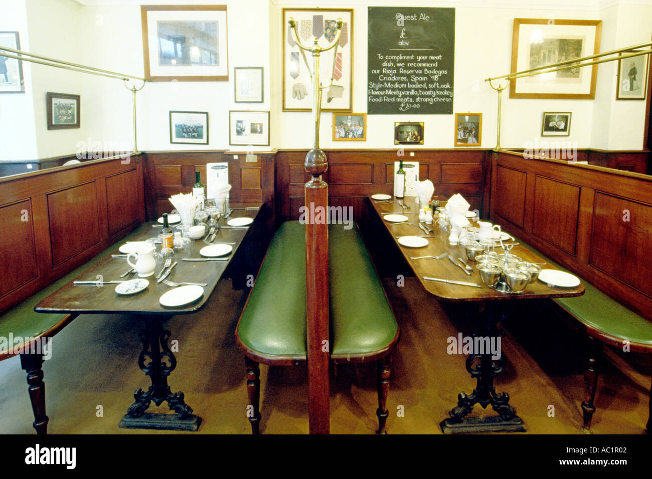 The interior of the Victorian-era Simpson's Tavern in the city of London. - Stock Image