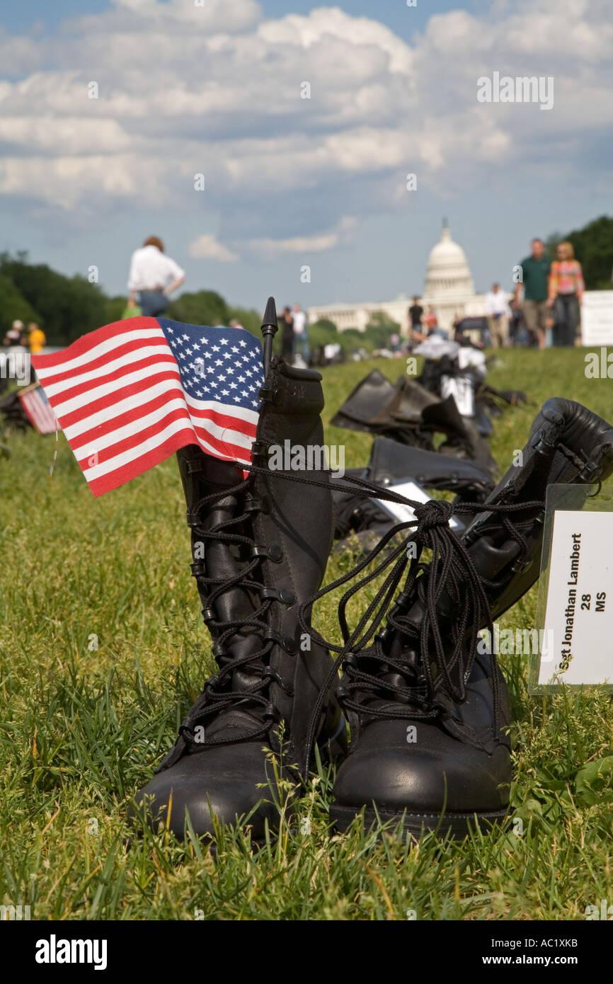Eyes Wide Open Exhibit Commemorates Iraq War Deaths - Stock Image