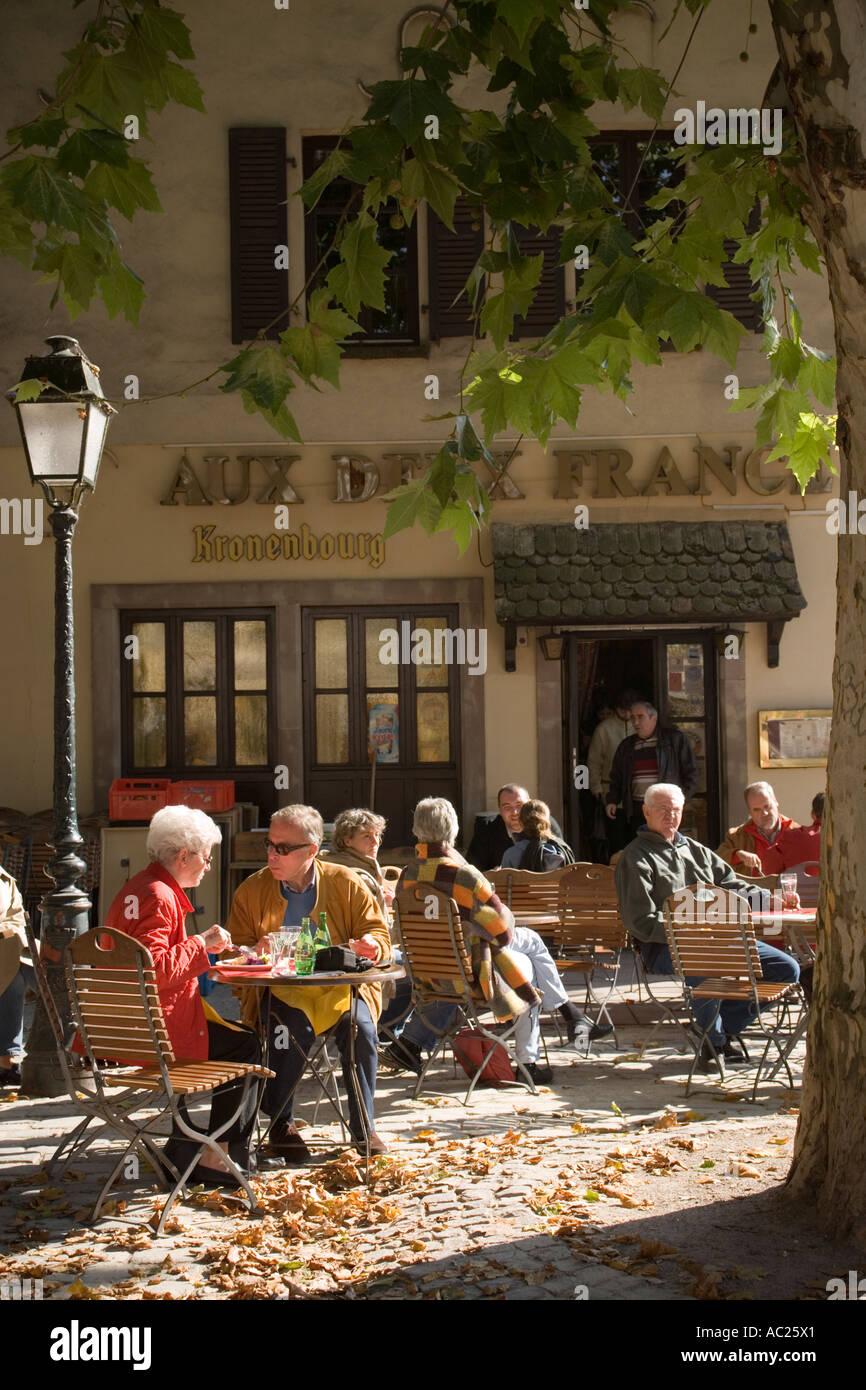 das-kleine-caf-in-frankreich