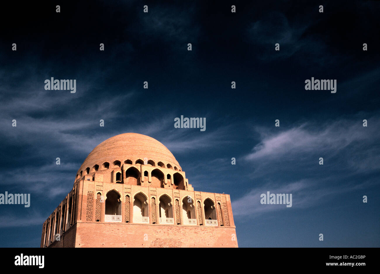 May 10, 2006 - The 12th-century mausoleum of Sultan Sanjar, a Seljuk tomb in ancient  Merv (Mary) in Turkmenistan. Stock Photo