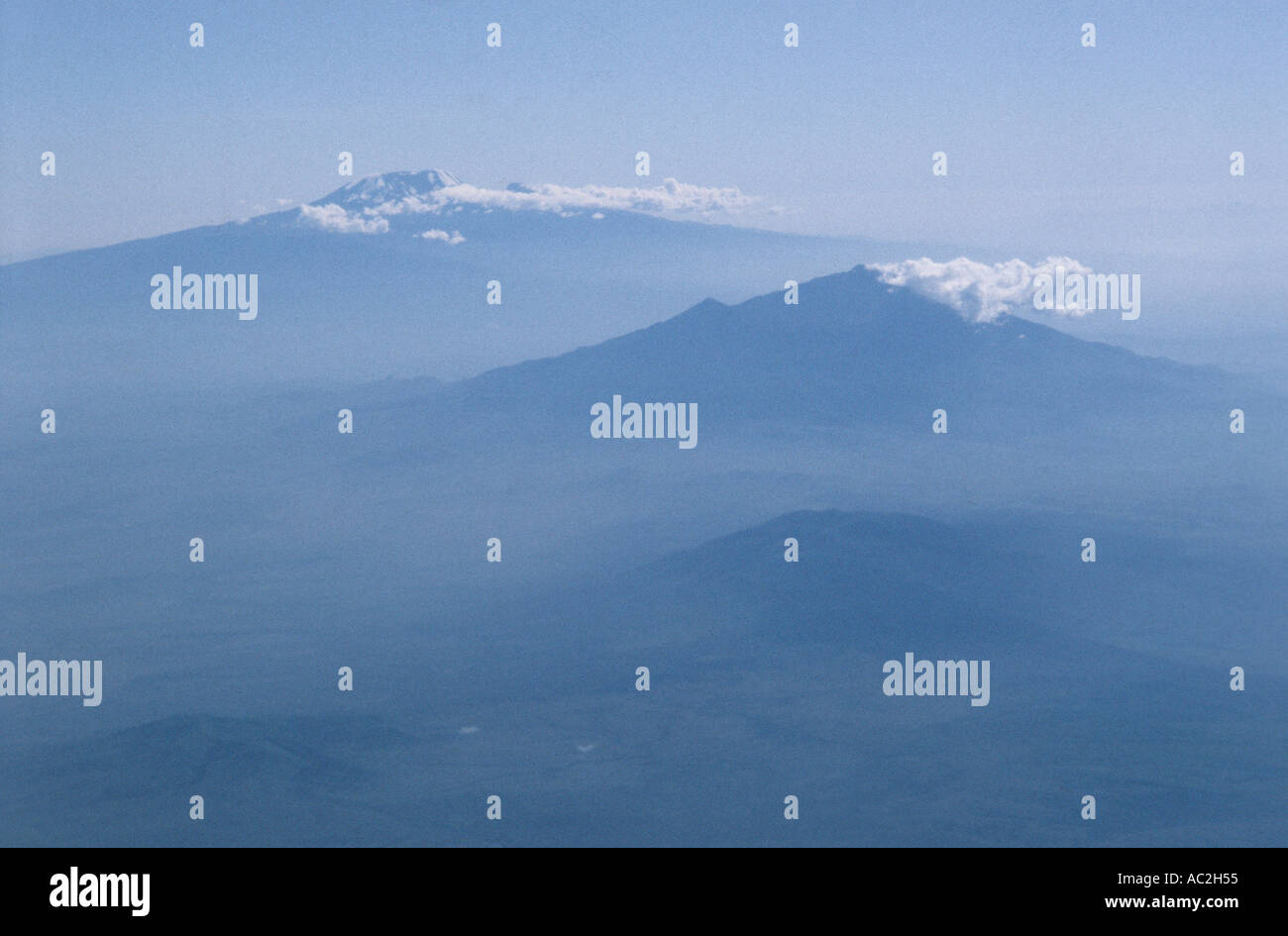 KILIMANJARO TANZANIAPHOTOGRAPHED FROM AIRCRAFT EN ROUTE SOUTH ACROSS AFRICA.  2005 - Stock Image