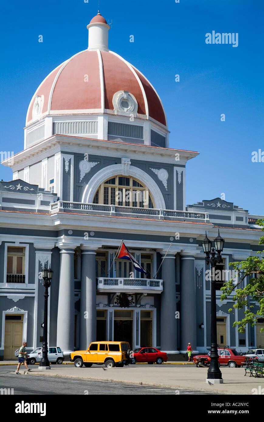 Government building of Palacio de Gobierno on Parque Jose Marti, Cienfuegos, Cuba. - Stock Image