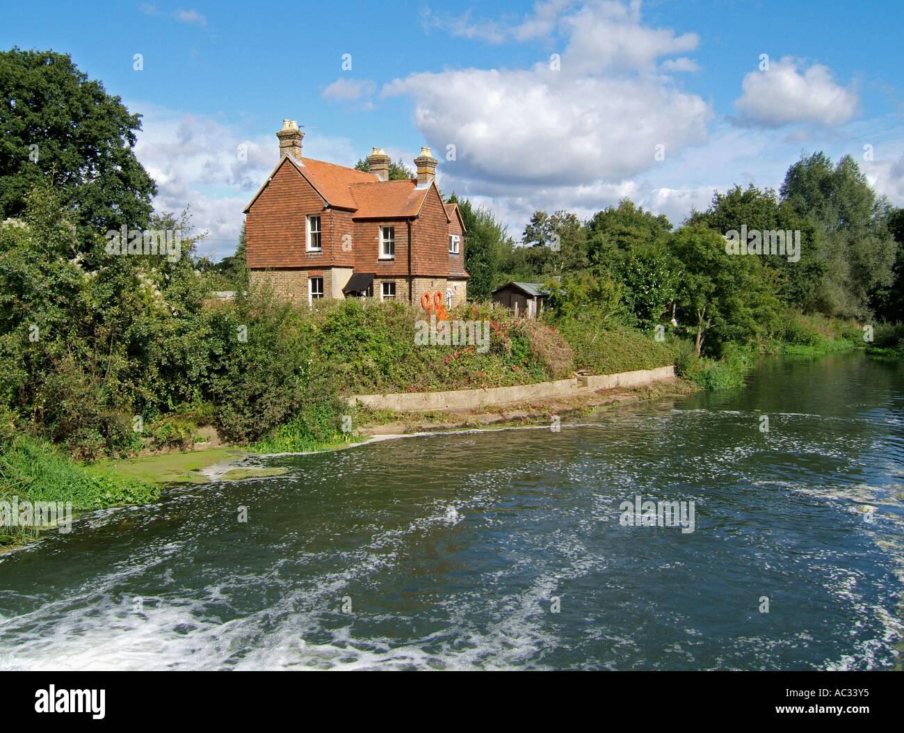 The Wey Navigations, Walsham Lock, Surrey, England, UK - Stock Image