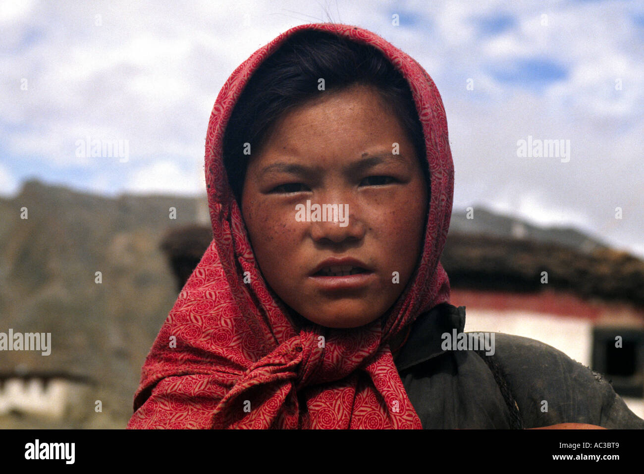 Young girl in Kiber village - Stock Image