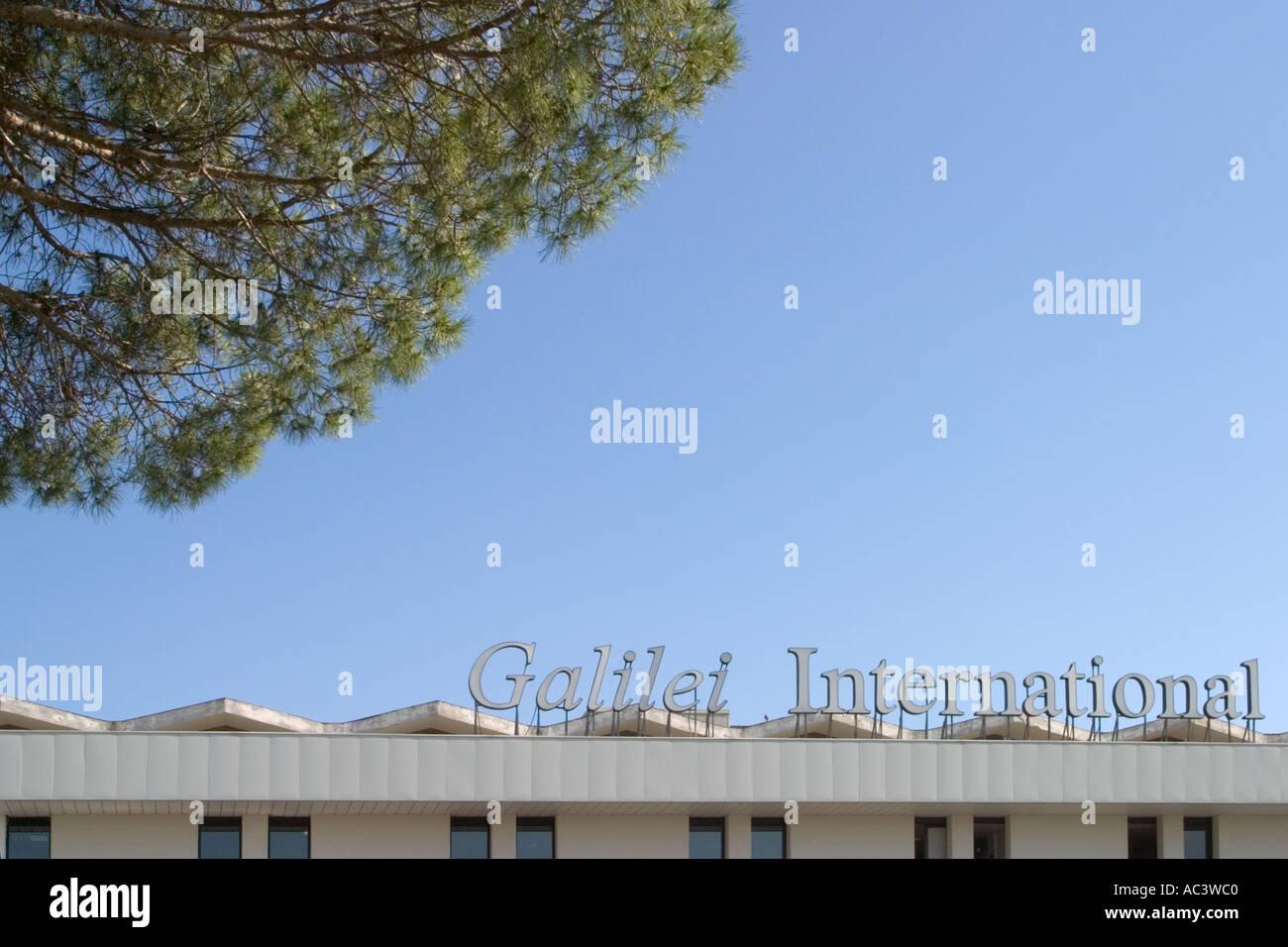 Aeroporto Pisa : Fly parking pisa parcheggio aeroporto pisa prenota subito il
