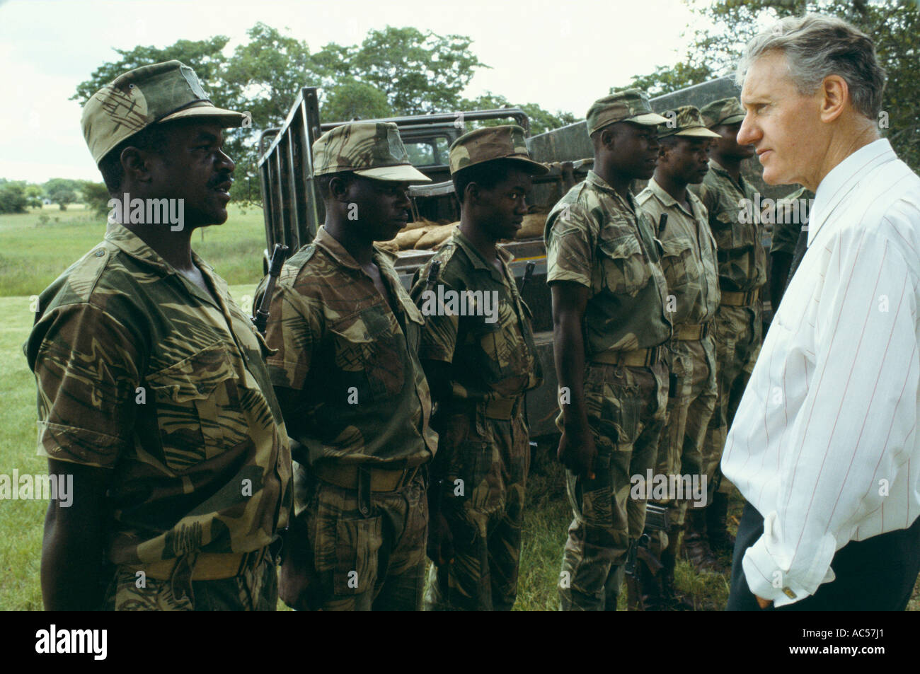 IAN SMITH INSPECTS TROOPS IN RHODESIA 1979 - Stock Image