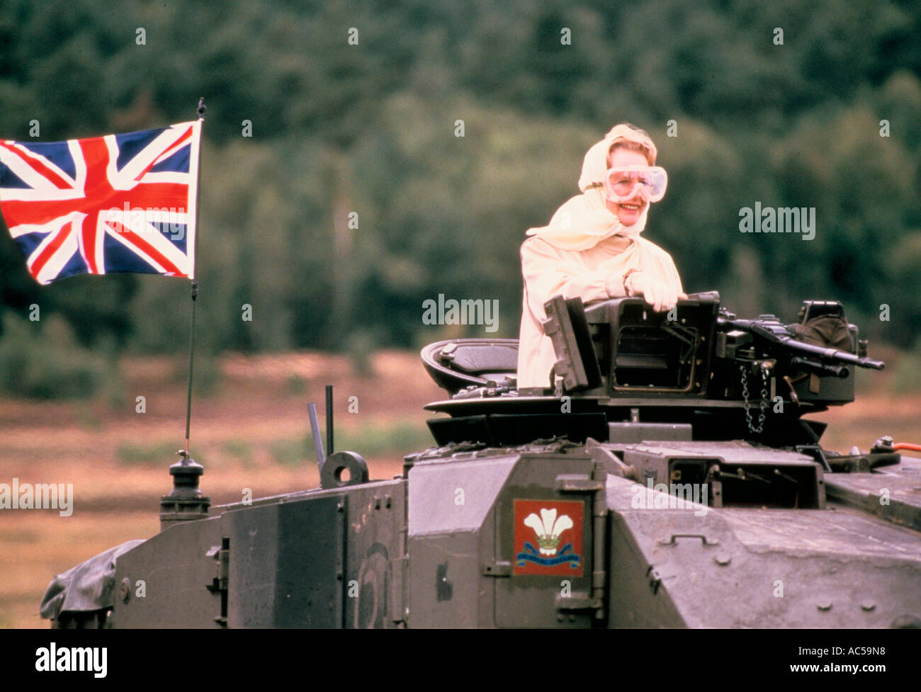 MARGARET THATCHER DRIVING A BRITISH TANK IN GERMANY 17 09 86 - Stock Image