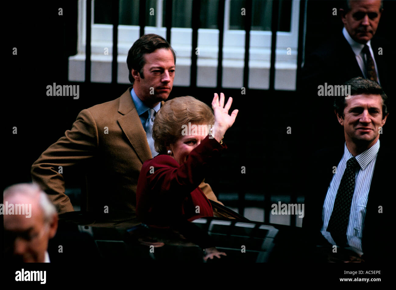 MARGARET THATCHER ON HER LAST DAY AT DOWNING STREET NOVEMBER 28 1990 - Stock Image