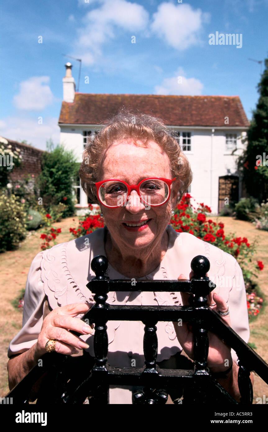 picture Hilda Moore
