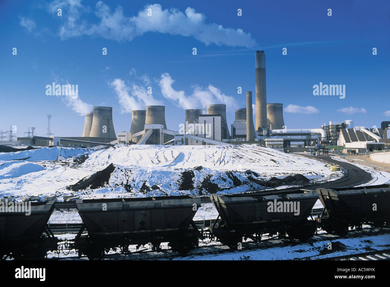 Ratcliffe on Soar power station nr Nottingham UK - Stock Image