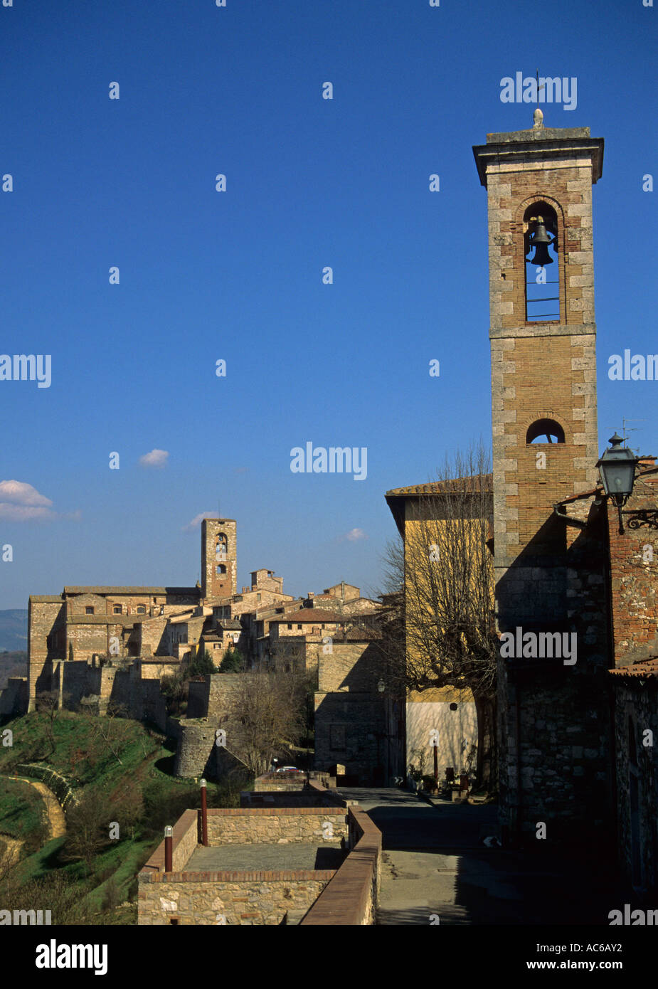 the hilltop town of Colle Val D Elsa Tuscany Italy - Stock Image
