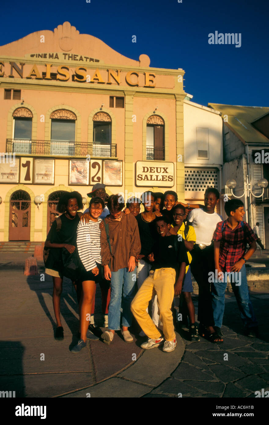 French students, students, teen girls, teen boys, eye contact, teenagers, Pointe-a-Pitre, Grande-Terre, Guadeloupe, France, French West Indies - Stock Image