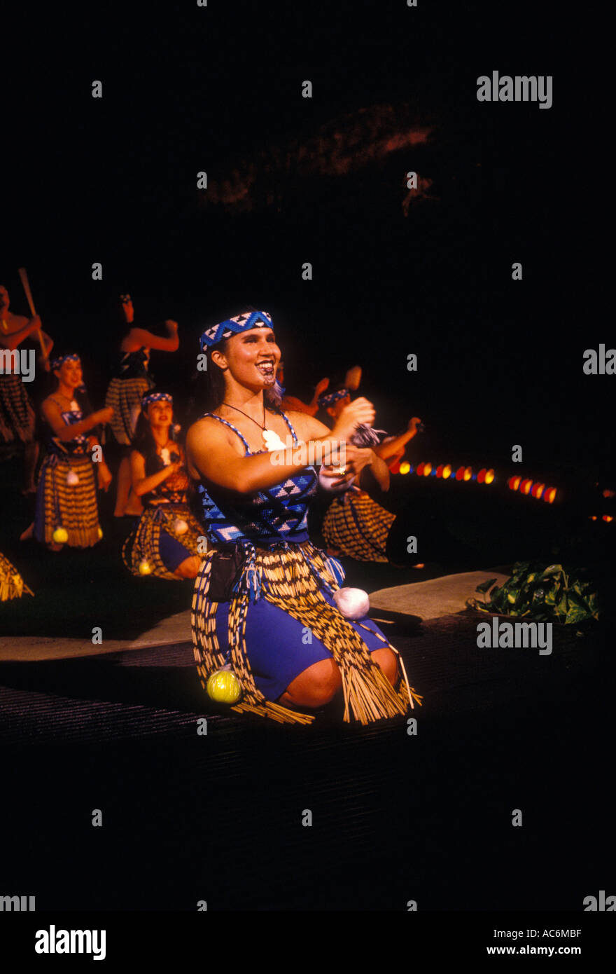 Maori Dance: Maori Women Stock Photos & Maori Women Stock Images