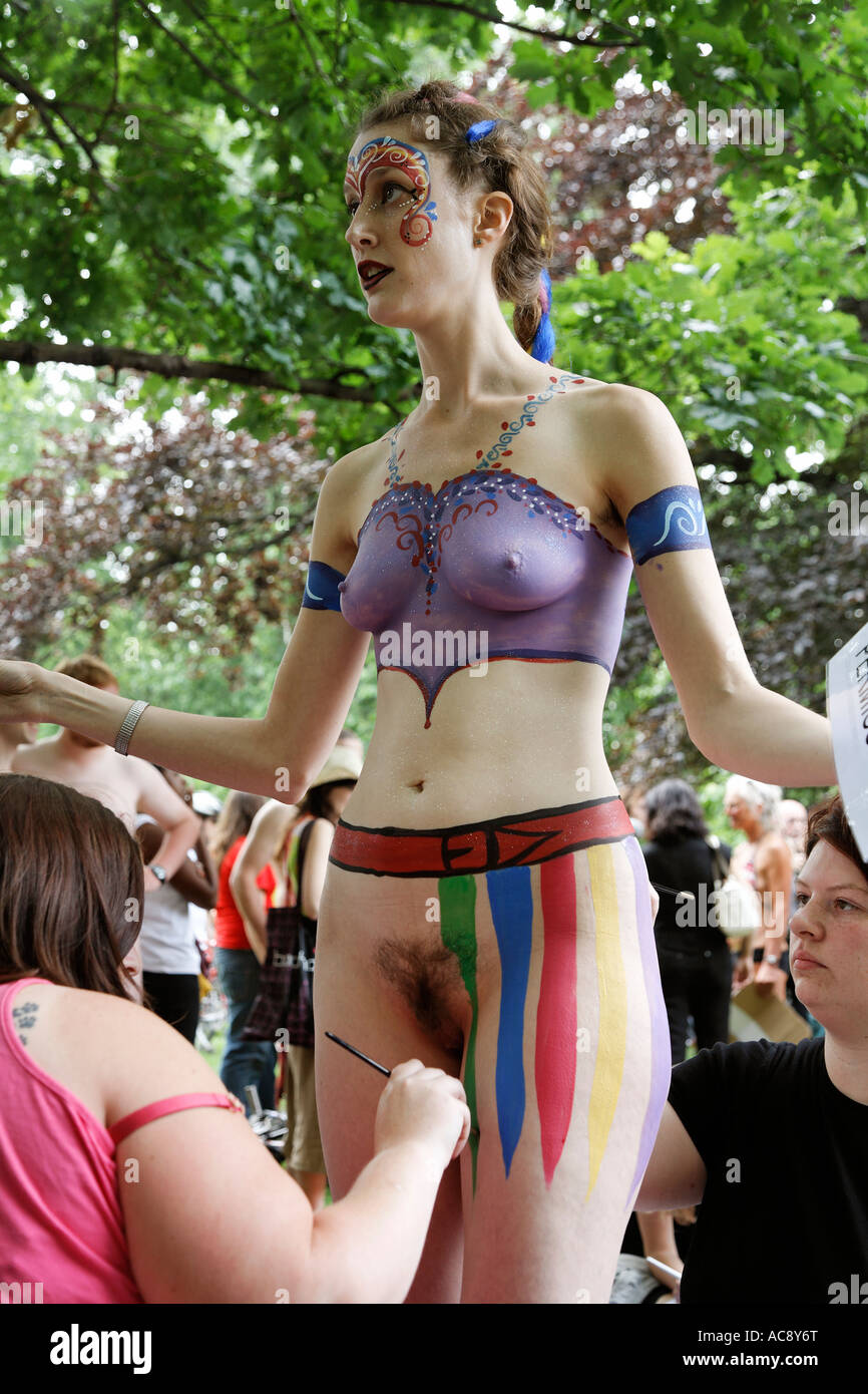 Body Painting At The The Naked Bike Ride London 07 Uk -3156