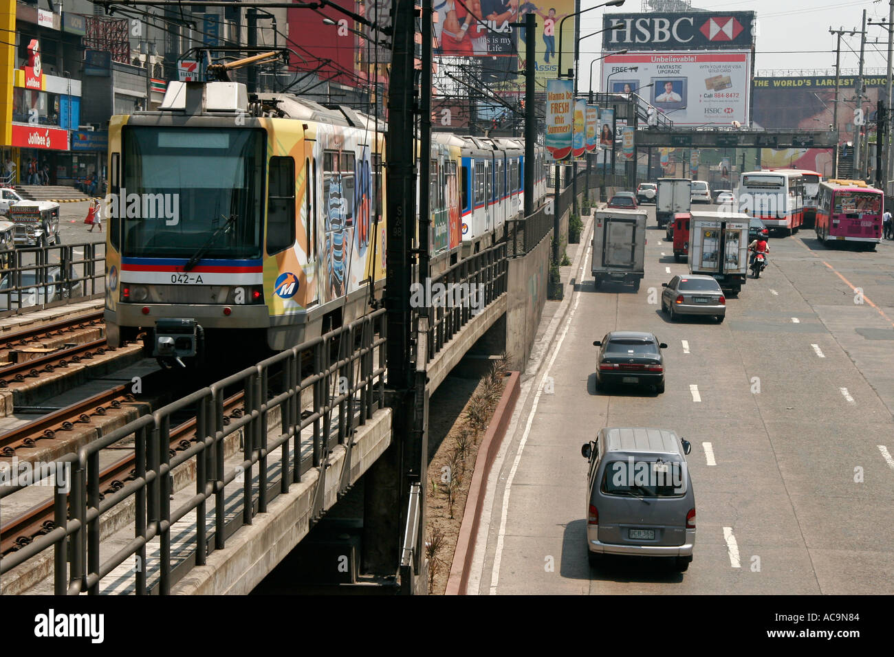 Manila Philippines Elevated Train Stock Photos & Manila Philippines
