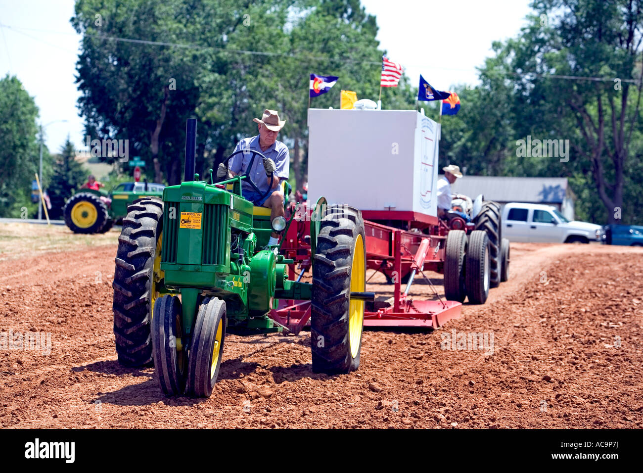 Antique Tractor Pull Stock Photos & Antique Tractor Pull