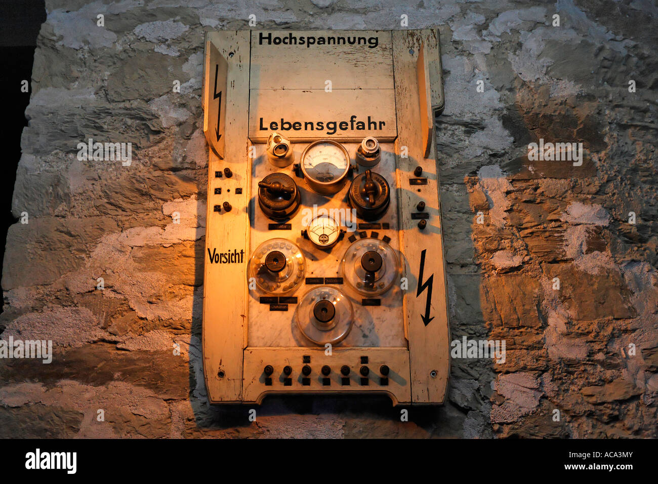 Deutsch Fuse Box Online Schematics Wiring Diagrams Old Car 16 Diagram Images Gsmx Co Electrical