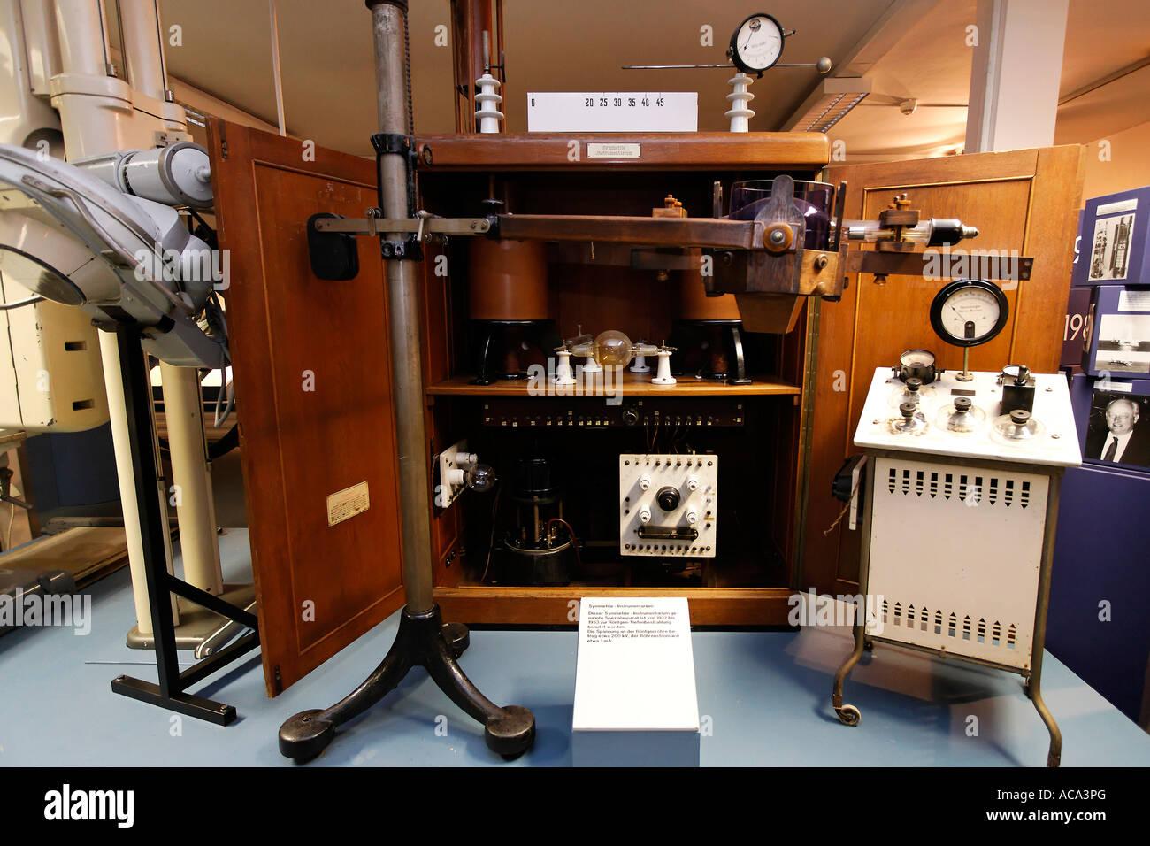 Roentgen deep therapy device, exhibit at German Roentgen Museum, Remscheid-Lennep, Germany Stock Photo