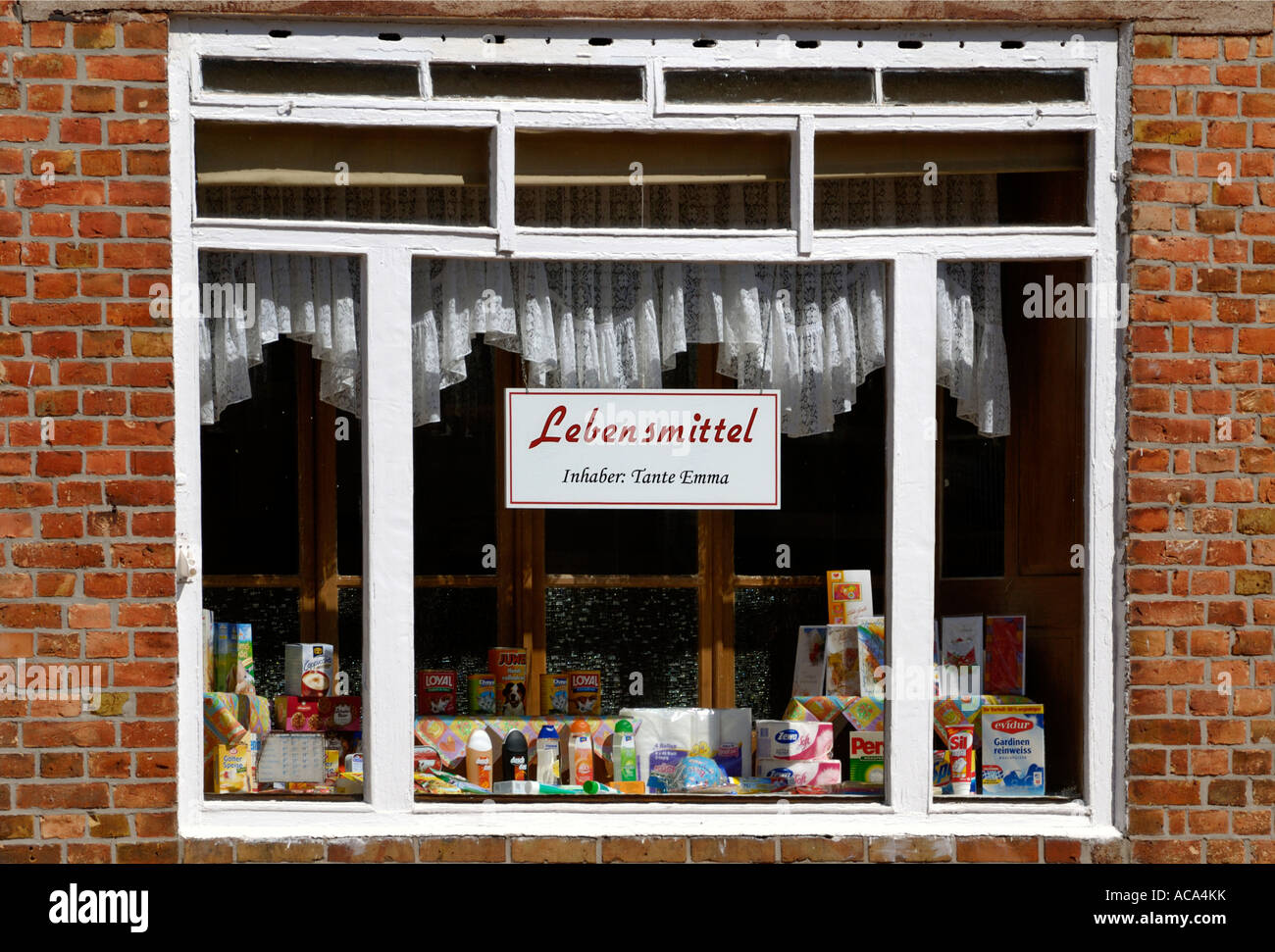 Small retail shop (Mom-and-Pop grocery store) - Stock Image