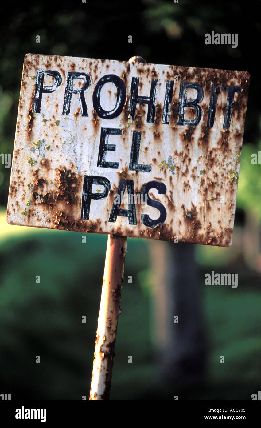 sign in catalonian language no entry - Stock Image