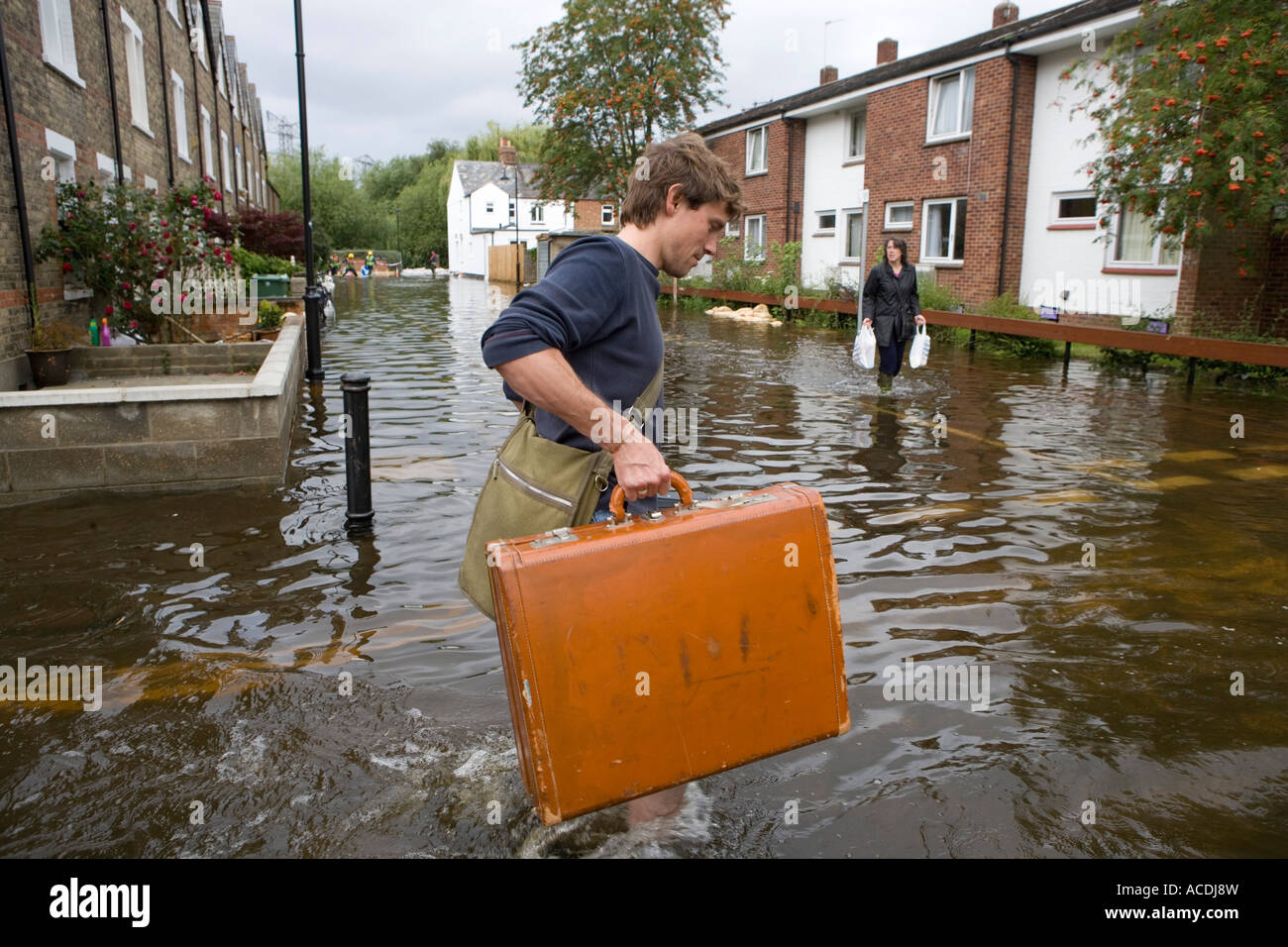 Ben Johnson leaves his home in Osney Island - Stock Image