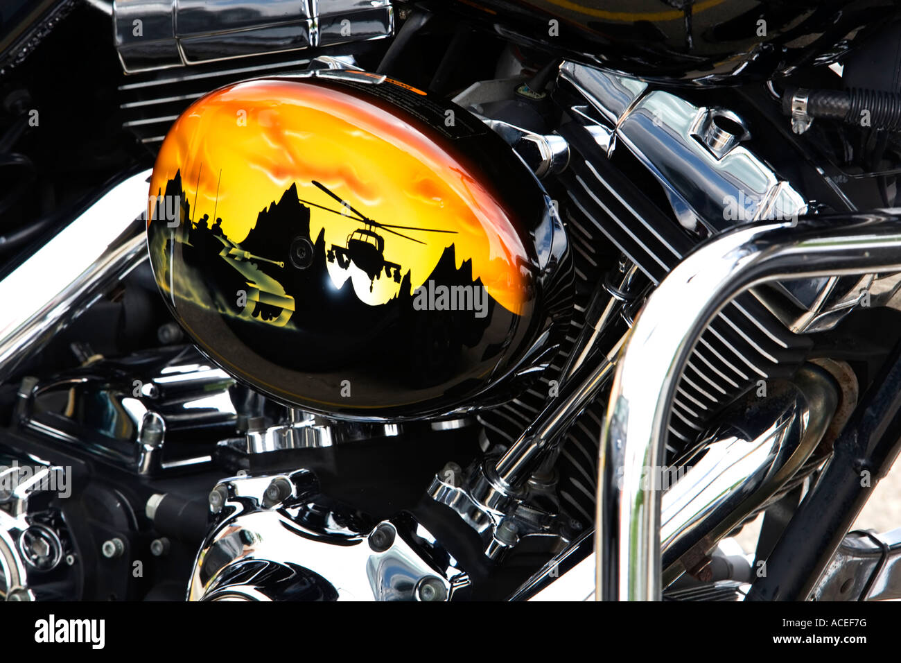 motorcycle paint helicopter and tank harley davidson motorcycle stock photo 13132419 alamy. Black Bedroom Furniture Sets. Home Design Ideas