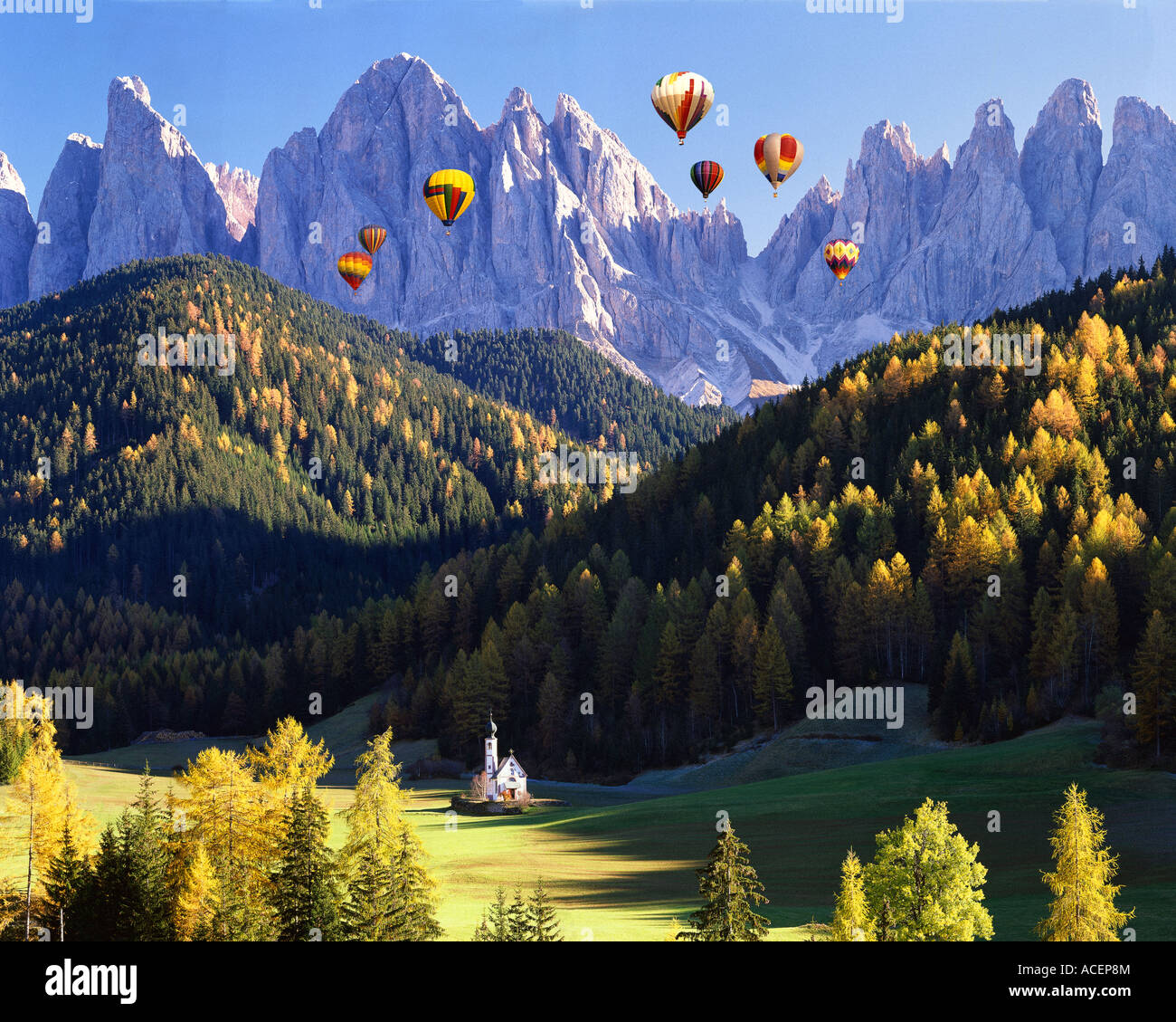IT - DOLOMITES:  St. Johann in Ranui and Geisler Spitzen Mountains - Stock Image