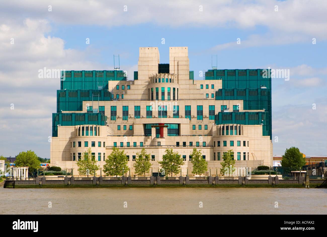 "MI6 Building at ""Vauxhall Cross"", London Stock Photo"