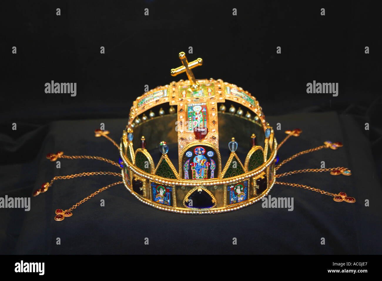St Matthias Matyas Mattias Church Crown of St Stephen Buda Castle Budapest Hungary Europe - Stock Image